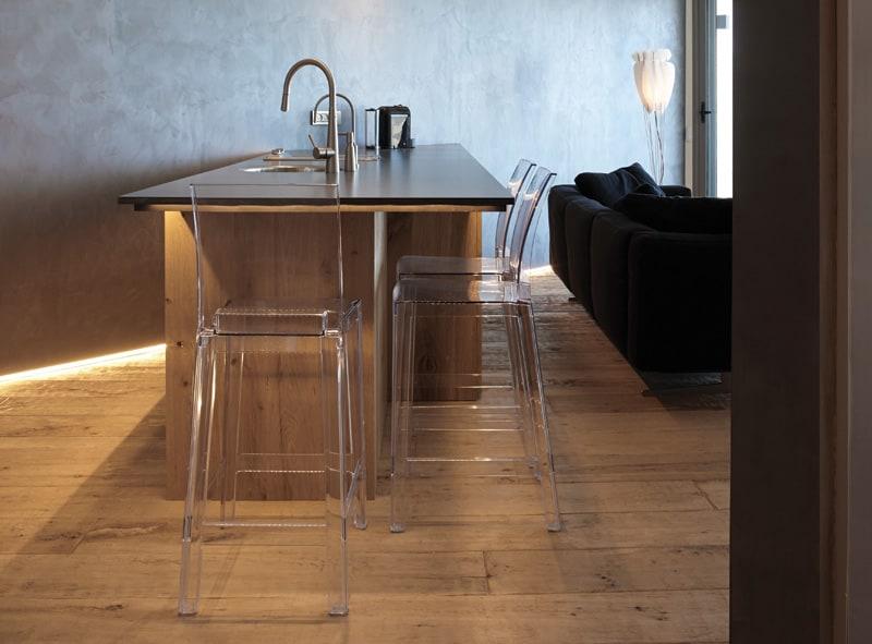 Ez a konyha szuper-funkcionális, annak ellenére, hogy egy csomó szabályt felrug.