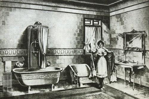Angol polgárcsalád fürdőszobája 1900